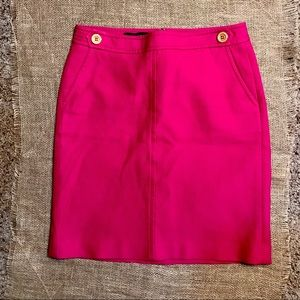 EUC. Talbots Sz 8P dark pink cotton pencil skirt.